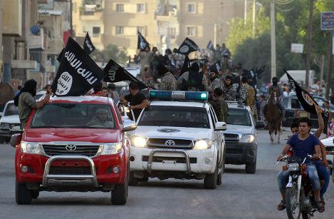 Парад ИГИЛ в Ракке в честь провозглашения халифата