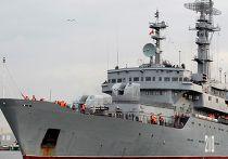 """Российские экипажи """"Мистралей"""" прибыли во французский Сен-Назер"""