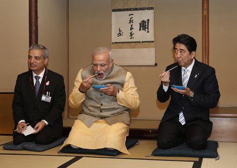 Встреча премьер-министра Индии Нарендры Моди с премьер-министром Японии Синдзо Абэ