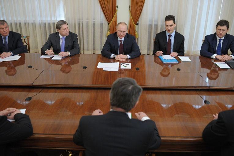 Владимир Путин провел встречу с главой концерна Shell Бен ван Берденом