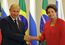 Президент России Владимир Путин и президент Бразилии Дилма Роуссефф в Бразилиа