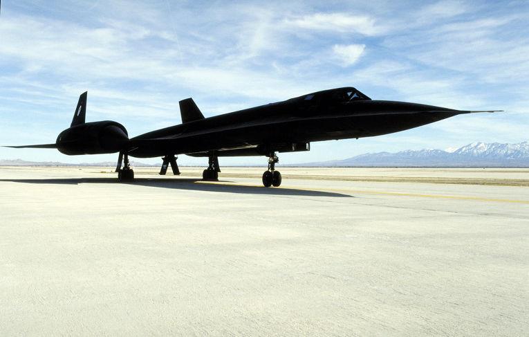 Cтратегический сверхзвуковой разведчик американских ВВС Lockheed SR-71