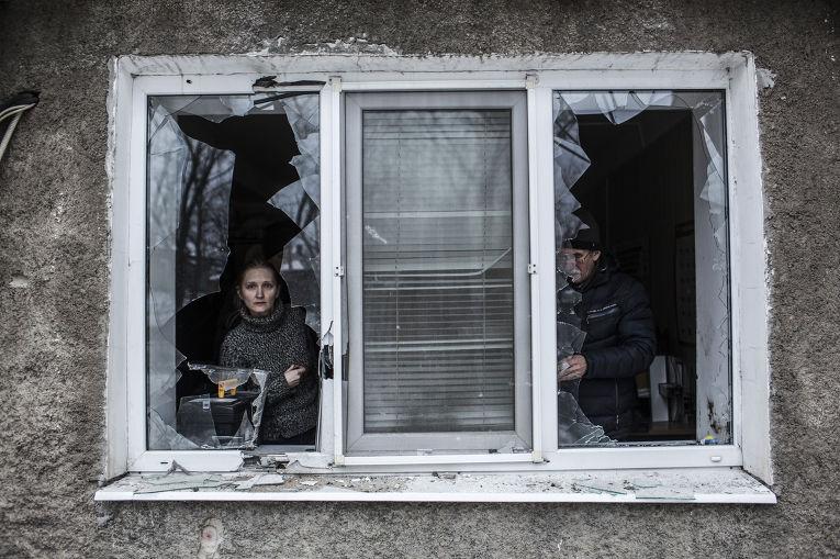 Дом, пострадавший во время обстрела Донецка