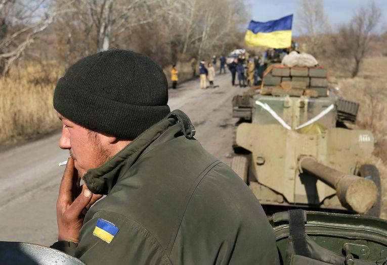 Украинский солдат в деревне Федоровка на востоке Украины