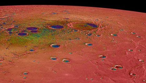 Кратеры на поверхности Меркурия, сфотографированные космическим аппаратом НАСА Messenger