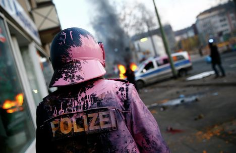 """Полиция во время беспорядков анти-капиталистического движения """"Blockupy"""" на улицах Франкфурта-на-Майне"""