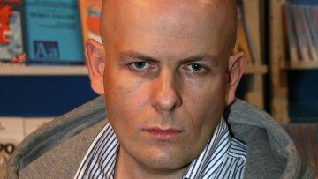 Украинский писатель, журналист и общественный деятель Олесь Бузина