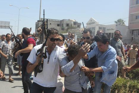 Человек, предположительно открывший стрельбу в тунисском отеле