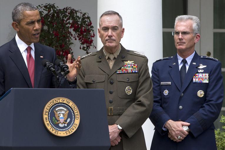 Барак Обама, генерал ВВС США генерал Пол Селва и кандидат на пост председателя Объединенного комитета начальников штабов генерал корпуса морской пехоты США Джозеф Данфорд