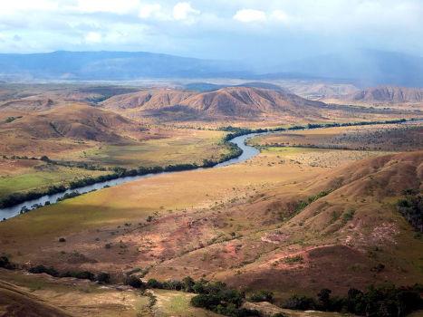 Река Иренг на гарнице Венесуэлы и Гайаны
