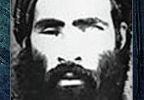 """Плакат о розыске лидера группировки """"Талибана"""" Муллы Омара, опубликованный ФБР США"""