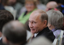 Председатель правительства РФ Владимир Путин на встрече с пенсионерами и ветеранами в Большом Кремлевском дворце