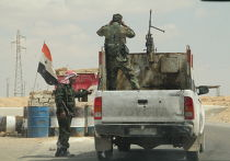 Блокпост сирийских военных на дороге Хомс-Ракка