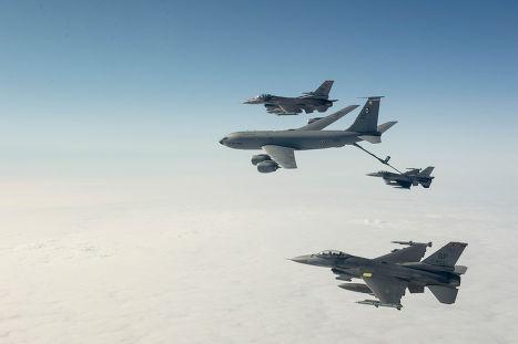Истребители F-16 ВВС США