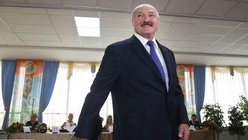 Александр Лукашенко после голосования на избирательном участке
