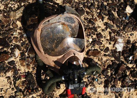 """Кислородная маска на месте крушения самолета Airbus A321 авиакомпании """"Когалымавиа"""""""