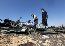 """Российские эксперты на месте крушения самолета Airbus A321 авиакомпании """"Когалымавиа"""" в Египте"""