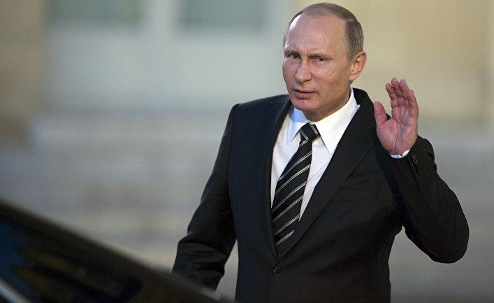 Владимир Путин покидает Елисейский дворец после встречи «нормандской четверки»