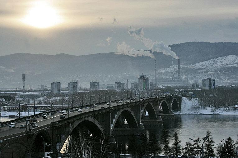 Мост через Енисей в Красноярске