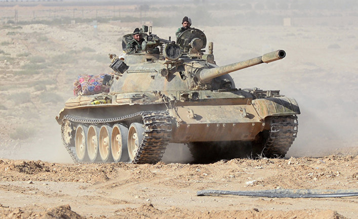 Танк Т-55 18 дивизии 3 корпуса Сирийской Арабской Армии (САА) на боевых позициях в 20 километрах от города Пальмира