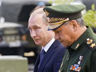 Владимир Путин и Сергей Шойгу на открытии форума «Армия-2015»