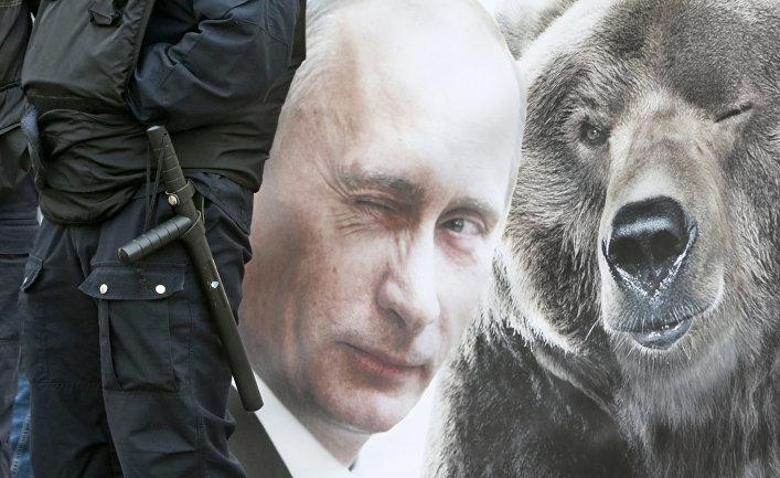 Плакат с Владимиром Путиным в Санкт-Петербурге