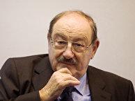 Итальянский писатель Умберто Эко
