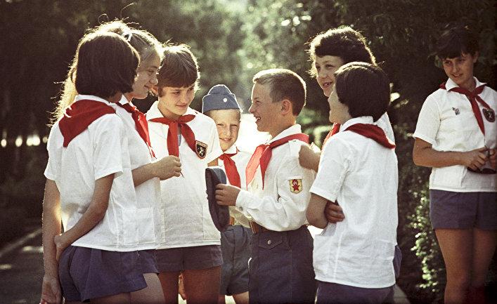 Дети в лагере «Артек» имени В.И. Ленина