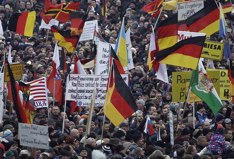 Митинг движения «Патриотичные европейцы против исламизации Запада» в Дрездене