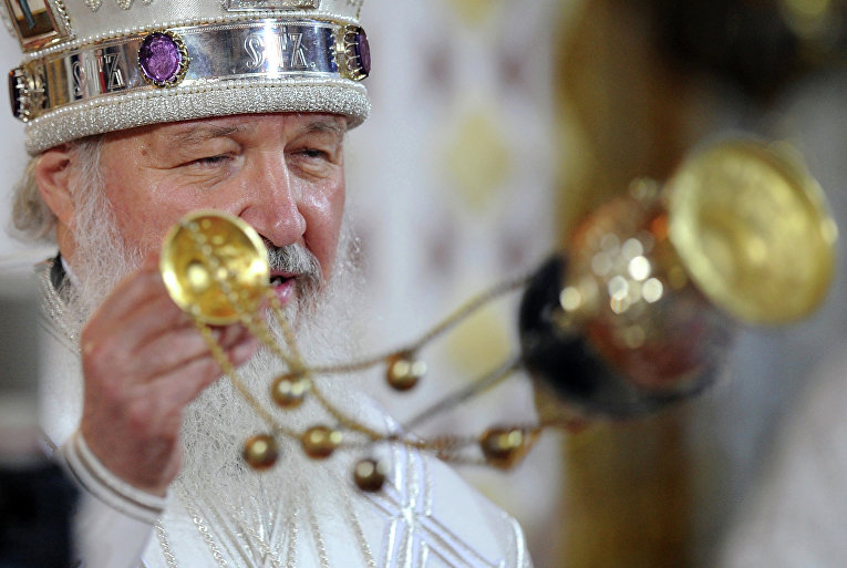 Пасхальное богослужение в храме Христа Спасителя в Москве