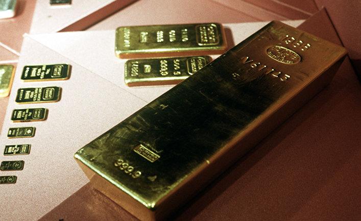 Золотые слитки 999,9 пробы из фондов Гохрана