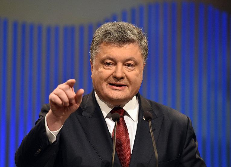 Президент Украины Петр Порошенко во время пресс-конференции в Киеве