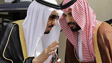 Наследный принц Салман ибн Абдул-Азиз Аль Сауд с сыном Мухаммадом ибн Салманом, 2012 год