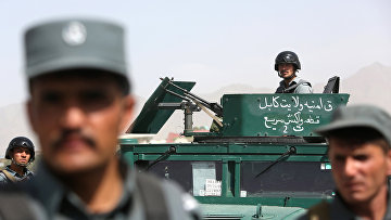Афганские силы безопасности на месте теракта в Кабуле