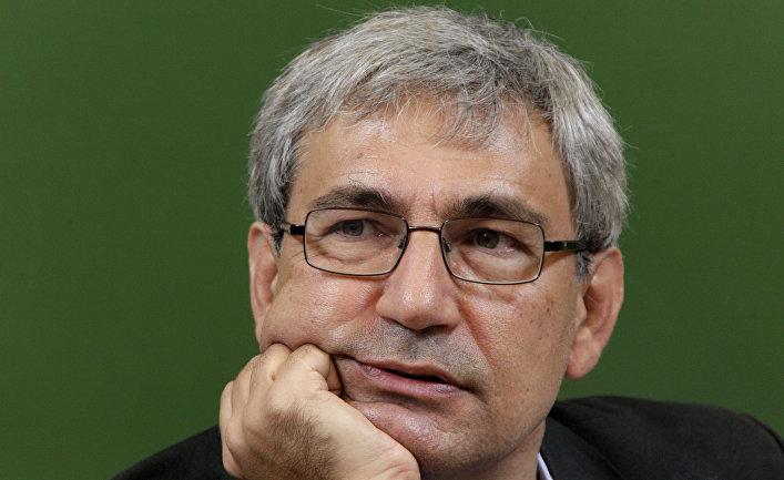 Лауреат Нобелевской премии по литературе Орхан Памук