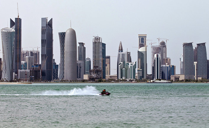 Небоскреб Doha Tower в столице Катара Дохе