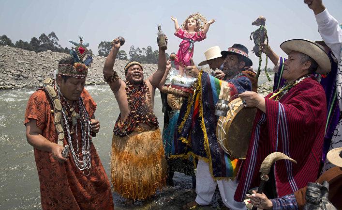 Ритуальные танцы шаманов в Лиме, Перу