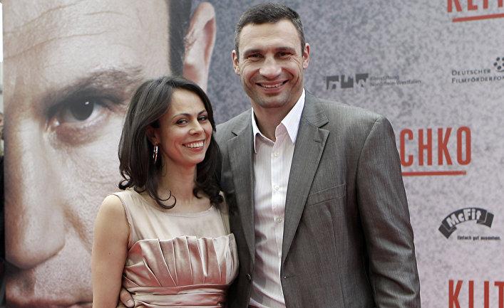 Виталий Кличко и его жена Наталья Кличко на премьере документального фильма о братьях Кличко