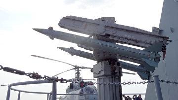 "Крейсер ""Москва"" у базы ""Хмеймим"" в Сирии"