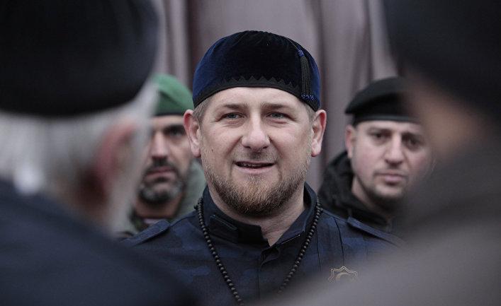 Рамзан Кадыров общается с офицерами в Грозном