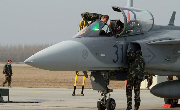 Самолет ВВС Швеции JAS 39 Gripen