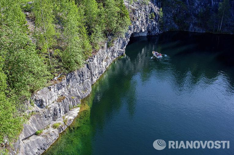 """Мраморный каньон в горном парке """"Рускеала"""" в Сортавальском районе Карелии"""