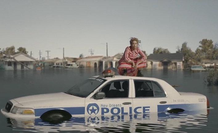 Кадр из клипа Beyoncé - Formation (Dirty)