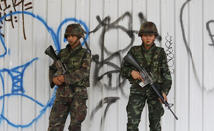 Солдаты армии Таиланда в центре Бангкока