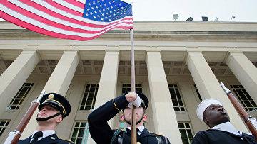 Военные США у здания Пентагона