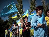 Активисты заблокировали автодорогу на границе Украины и Крыма. 20 сентября 2015
