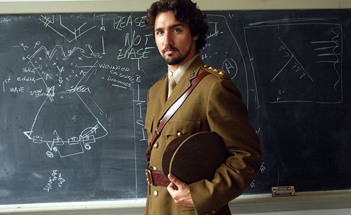 Джастин Трюдо позирует в форме времен Первой мировой войны