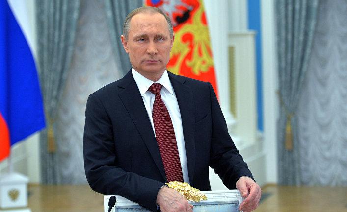 Президент России В. Путин поздравил российских женщин с 8 Марта