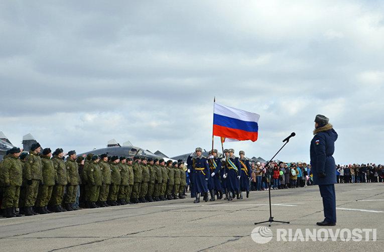 Первая группа бомбардировщиков Су-34 из Сирии приземлилась под Воронежем