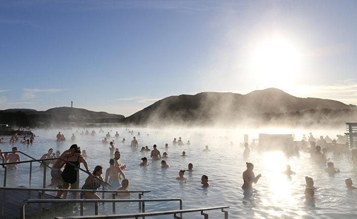 Голубая лагуна - геотермальный бассейн под открытым небом в Исландии
